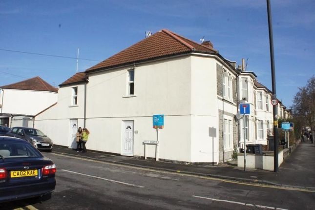 2 bed flat to rent in Gloucester Road, Horfield, Bristol