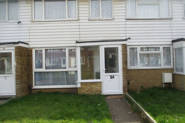 Thumbnail Terraced house for sale in Cleave Avenue, Hayes