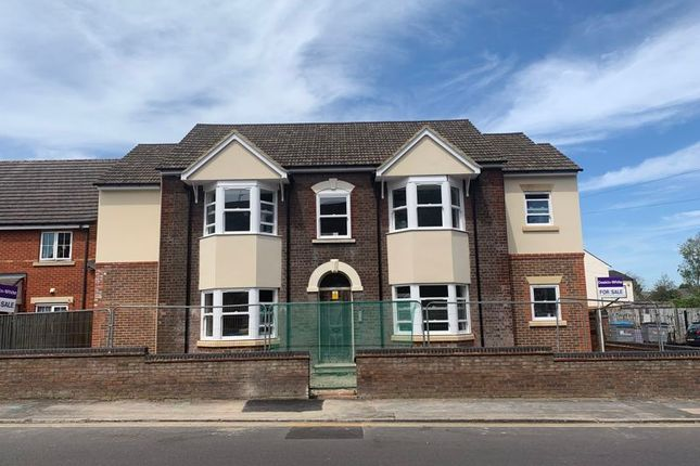 Thumbnail End terrace house for sale in Union Street, Dunstable