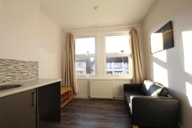Thumbnail Flat to rent in Springbank Road, London