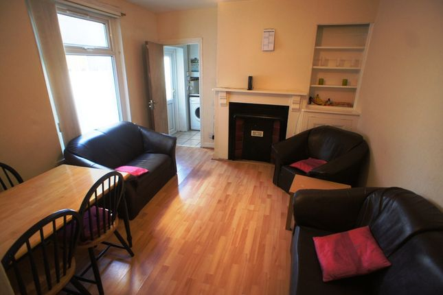 Thumbnail Flat to rent in Whitchurch Road, Heath, Cardiff.