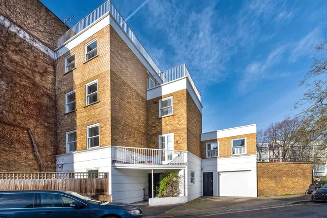 Thumbnail Town house for sale in Moore Park Road, Fulham, London