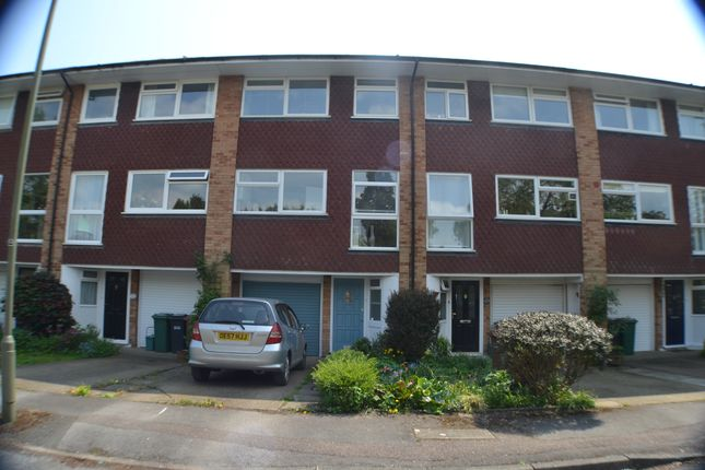 Thumbnail Town house to rent in Yorke Gardens, Reigate
