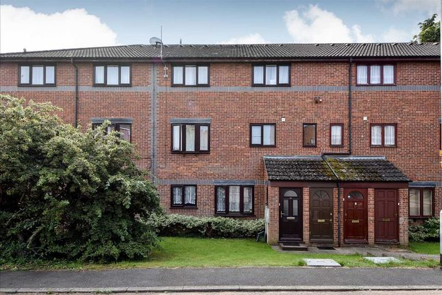 Thumbnail Flat to rent in Fields View, Wellingborough