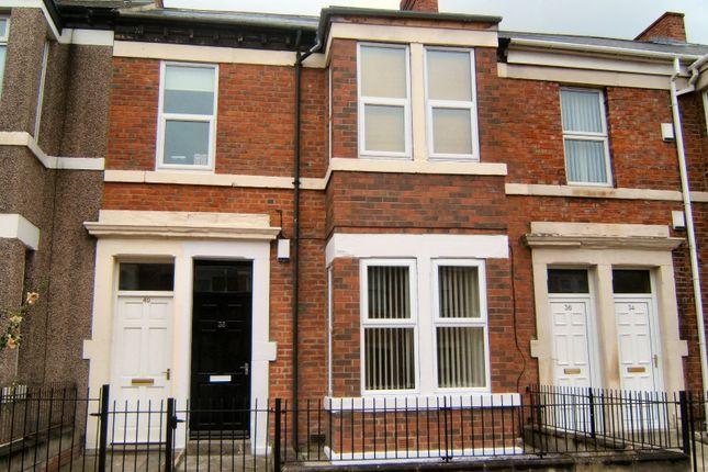 Thumbnail Flat to rent in Rodsley Avenue, Gateshead