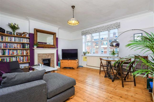 2 bed flat for sale in Streatham High Road, London