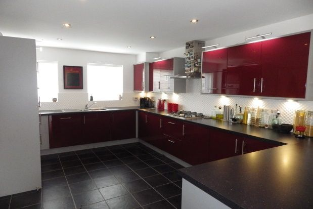Thumbnail Detached house to rent in Nicholson Park, Bracknell