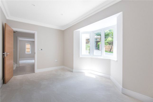 Picture No. 26 of Middleton Road, Camberley, Surrey GU15