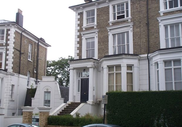 2 bed flat to rent in Upper Park Road, London
