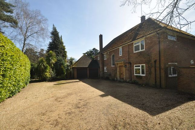 Thumbnail Detached house for sale in Badgers Close, Fleet