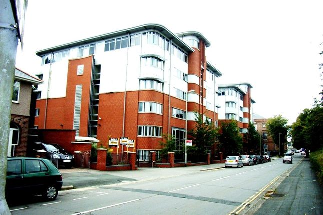 Thumbnail Flat for sale in Central Park Avenue, Mutley, Plymouth