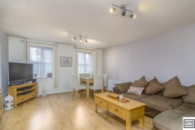 Thumbnail Flat for sale in Shelly Lodge, Gordon Road, Enfield