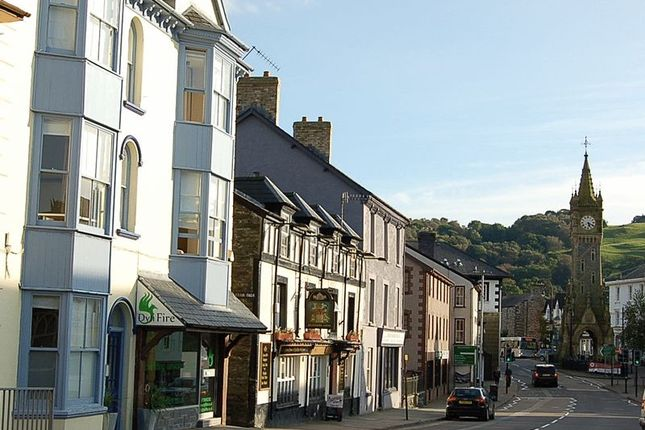 Thumbnail Flat to rent in Penrallt Street, Machynlleth