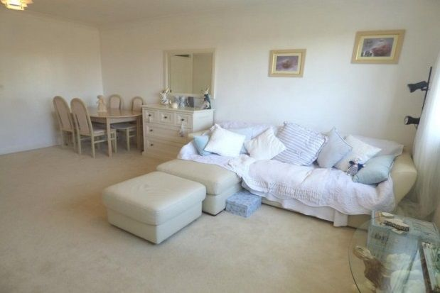 Thumbnail Flat to rent in Southwood Road, Hayling Island