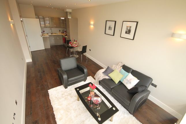 Thumbnail Flat for sale in Flat 10 Swan House, The Embankment, Bedford