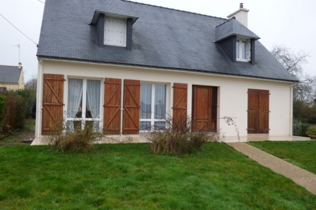Detached house for sale in Malestroit, Bretagne, 56140, France