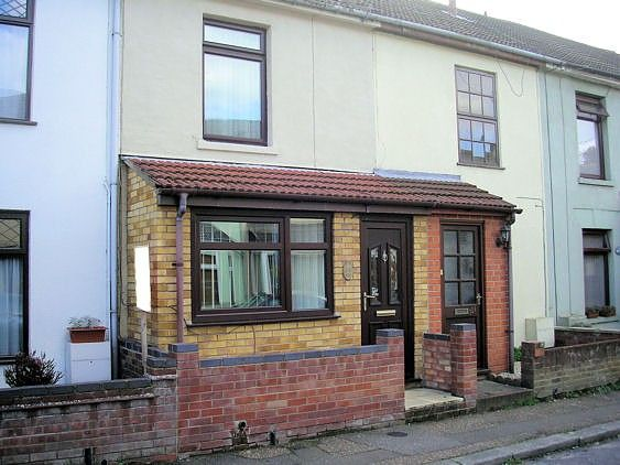 Thumbnail Town house to rent in Trafalgar Road West, Gorleston, Great Yarmouth