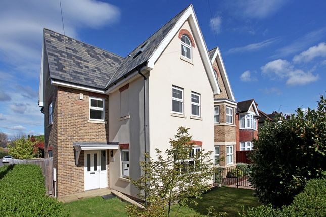 Thumbnail Town house to rent in Springfield Road, Windsor
