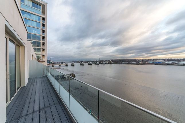 Thumbnail Flat for sale in Liner House, 3 Royal Wharf Walk, London