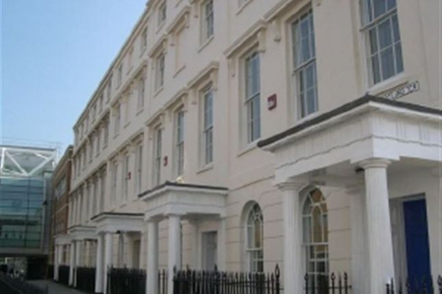 4 bed flat to rent in Portland Terrace, Southampton