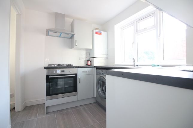 1 bed flat to rent in Trelawney Avenue, Langley SL3