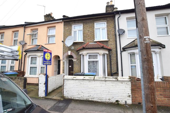 Thumbnail Property for sale in Downsell Road, London