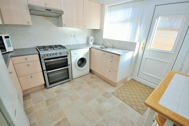 2 bed detached bungalow to rent in Lime Garth, Upper Poppleton, York YO26