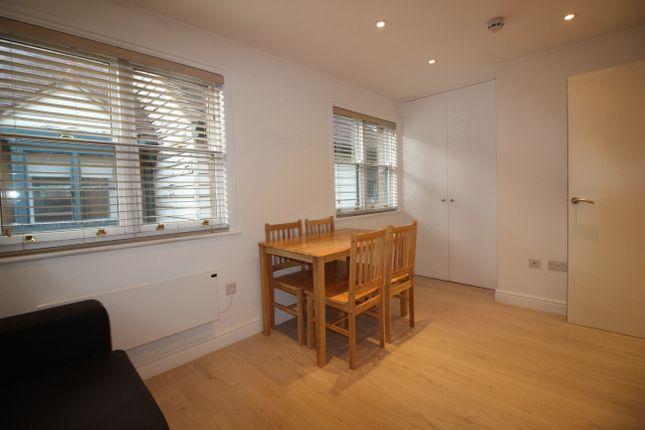 Thumbnail Flat to rent in Arlingham Mews, London