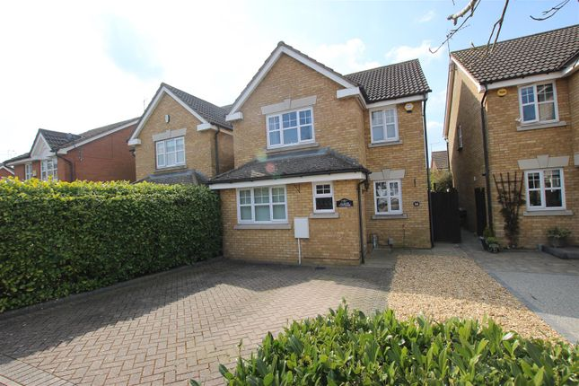 Thumbnail Detached house for sale in Randall Drive, Toddington, Dunstable