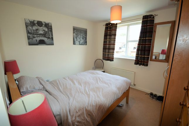 Bedroom of Newarth Drive, Lymm WA13