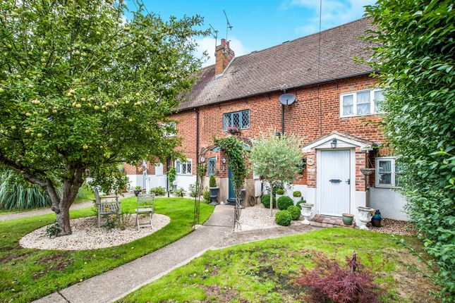 Thumbnail Terraced house for sale in Trowley Rise, Abbots Langley