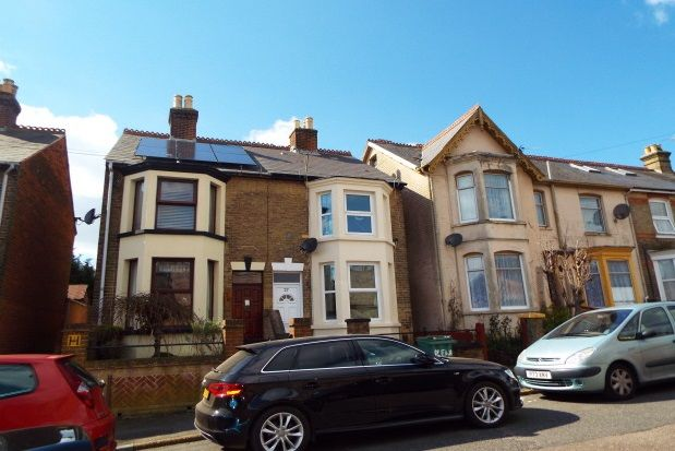 Thumbnail Property to rent in Thetis Road, Cowes