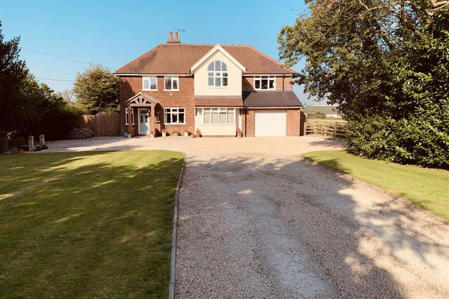 Thumbnail Detached house for sale in Hinckley Road, Cadeby, Nuneaton