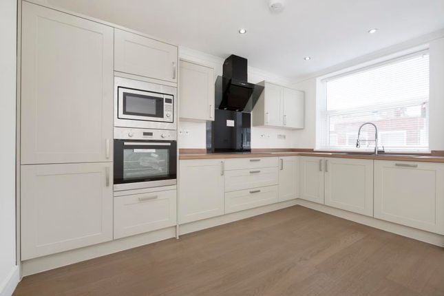 Thumbnail Flat to rent in Leeland Road, West Ealing