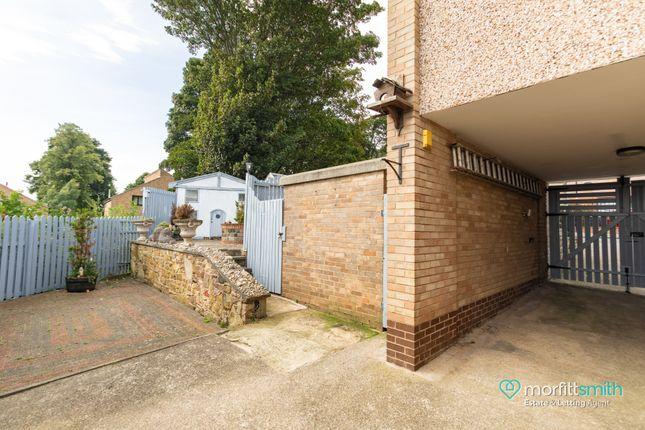 Driveway of Cavendish Avenue, Loxley, - Cul-De-Sac Location S6