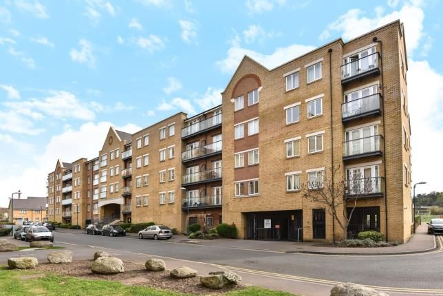2 bed flat for sale in Phoenix Court, Black Eagle Drive, Northfleet, Gravesend