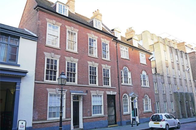 Thumbnail Flat to rent in Castle Gate, Old Block, City Centre