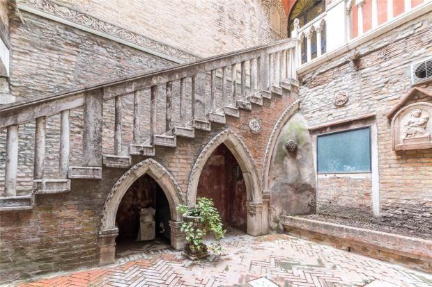 3 bed apartment for sale in Ca' Romantica, Dorsoduro, Venice, Italy
