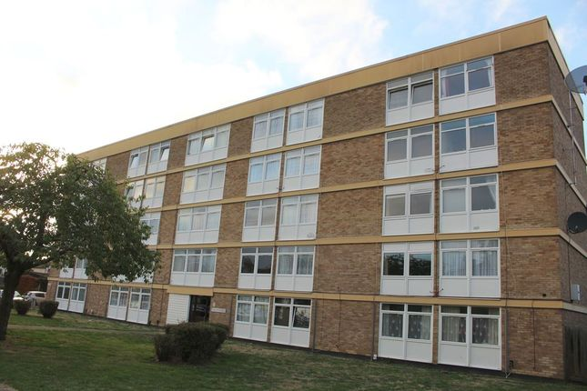 Thumbnail Flat for sale in Edgell Road, Staines Upon Thames