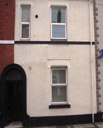 3 bed flat to rent in Crompton Street, Derby