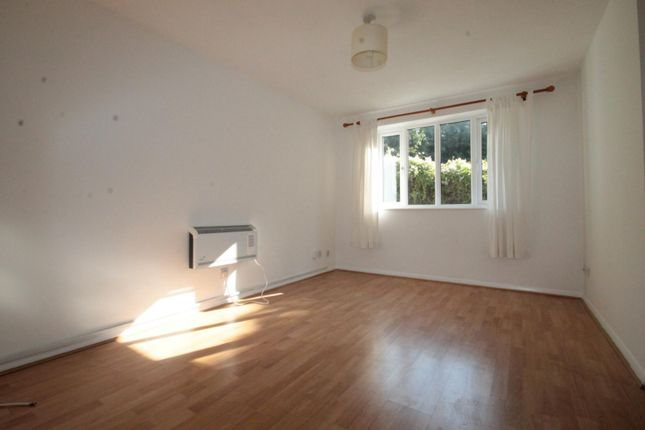 Lounge of Chipstead Close, Sutton SM2