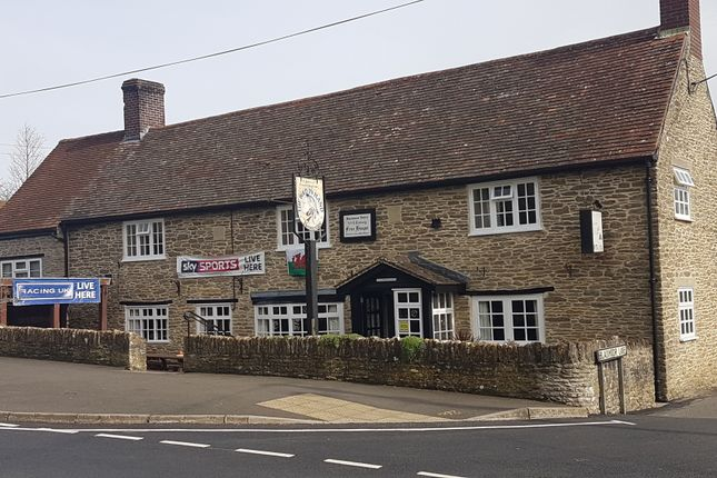 Thumbnail Pub/bar for sale in Henstridge, Templecombe, Somerset
