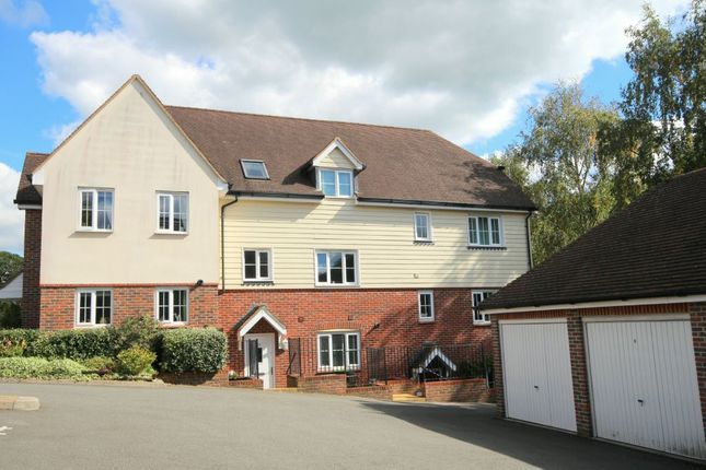 Thumbnail Town house for sale in Riverside, Codmore Hill, Pulborough