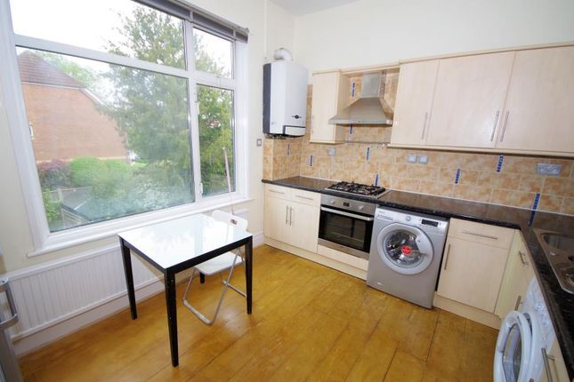 Thumbnail Flat to rent in Princes Ave, Finchley