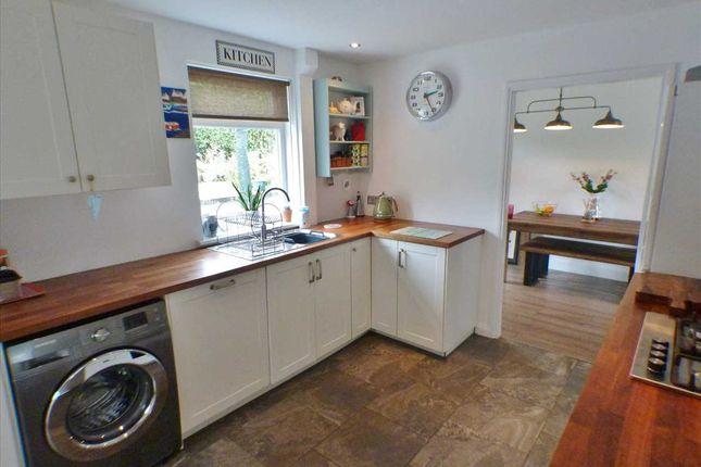 Kitchen (2) of Cloverhill View, West Mains, East Kilbride G74