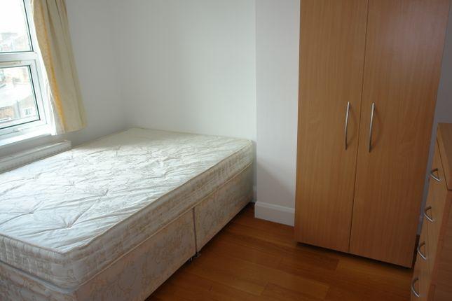 Thumbnail Flat to rent in Tregaron Avenue, London