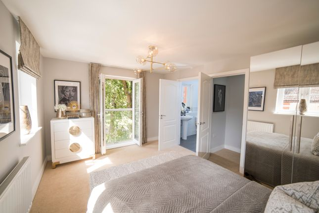 1 bedroom flat for sale in St James Park Road, Northampton