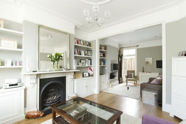Thumbnail Terraced house to rent in Elms Crescent, London