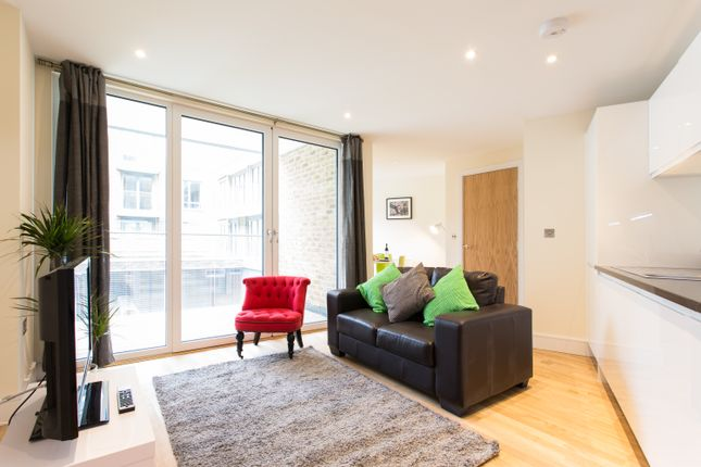Thumbnail Flat to rent in Langan House, Canary Wharf
