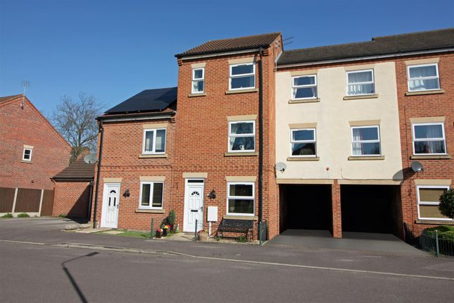 Thumbnail Town house for sale in Eldon Green, Tuxford, Newark